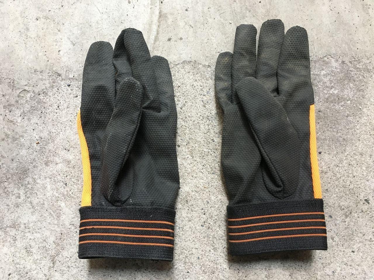 ワークマンの薄手の皮手袋(掌側)です!!