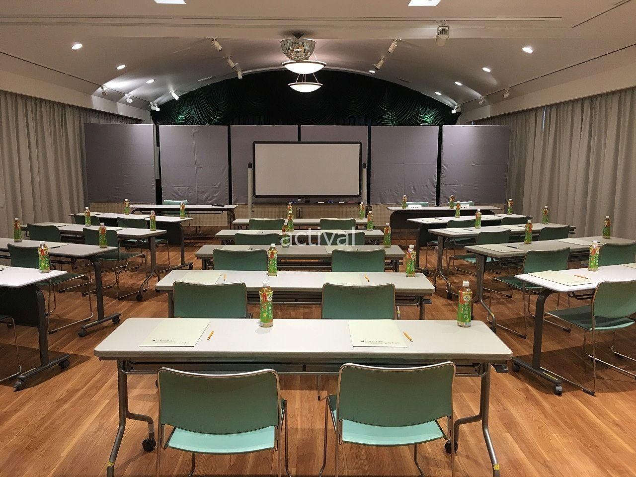 相続対策セミナー会場のア・ス・ヴェルデ3Fにあるア・ス・ヴェルデホールです!