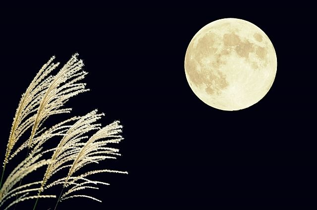 大間野町旧中村家住宅の令和元年度伝統文化体験講座「大正琴を聴きながら中秋の名月を観賞しよう」