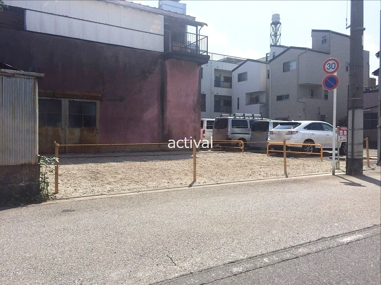 川口市栄町にある月極駐車場の栄町第1駐車場の総台数は4台です!!