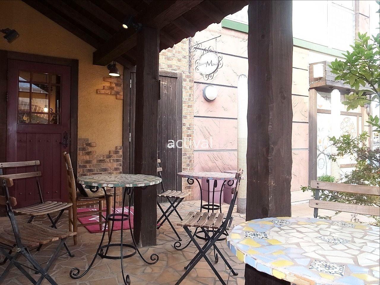 晴れた日にはブールマニエさんのこちらのテラス席でお食事を。