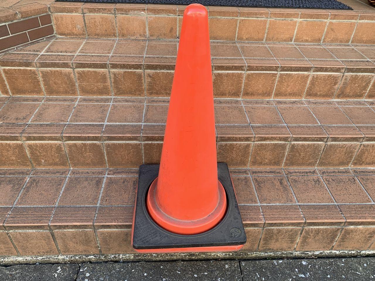 当社の月極駐車場管理で使っているカラーコーンです。