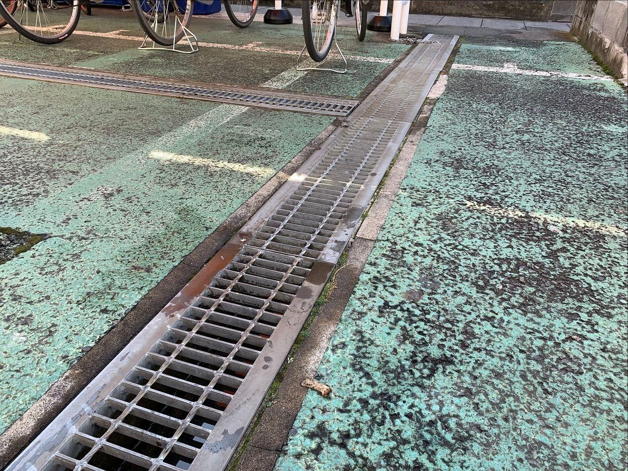 ア・ス・ヴェルデⅡの排水溝掃除です!