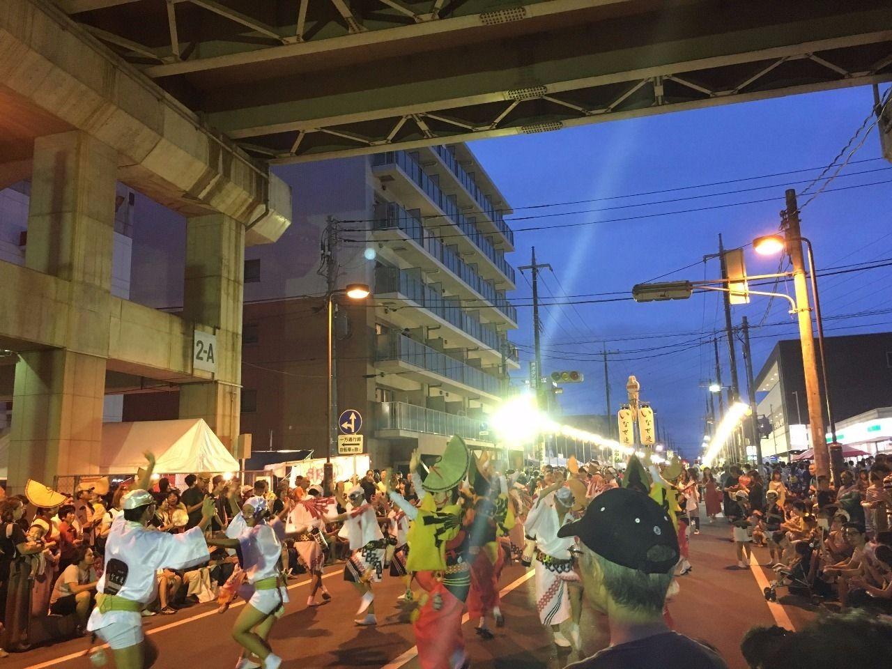 東武スカイツリーラインの高架下で阿波踊り!