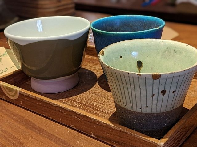 陶器の販売・展示 ―週貸店舗のご利用事例④―