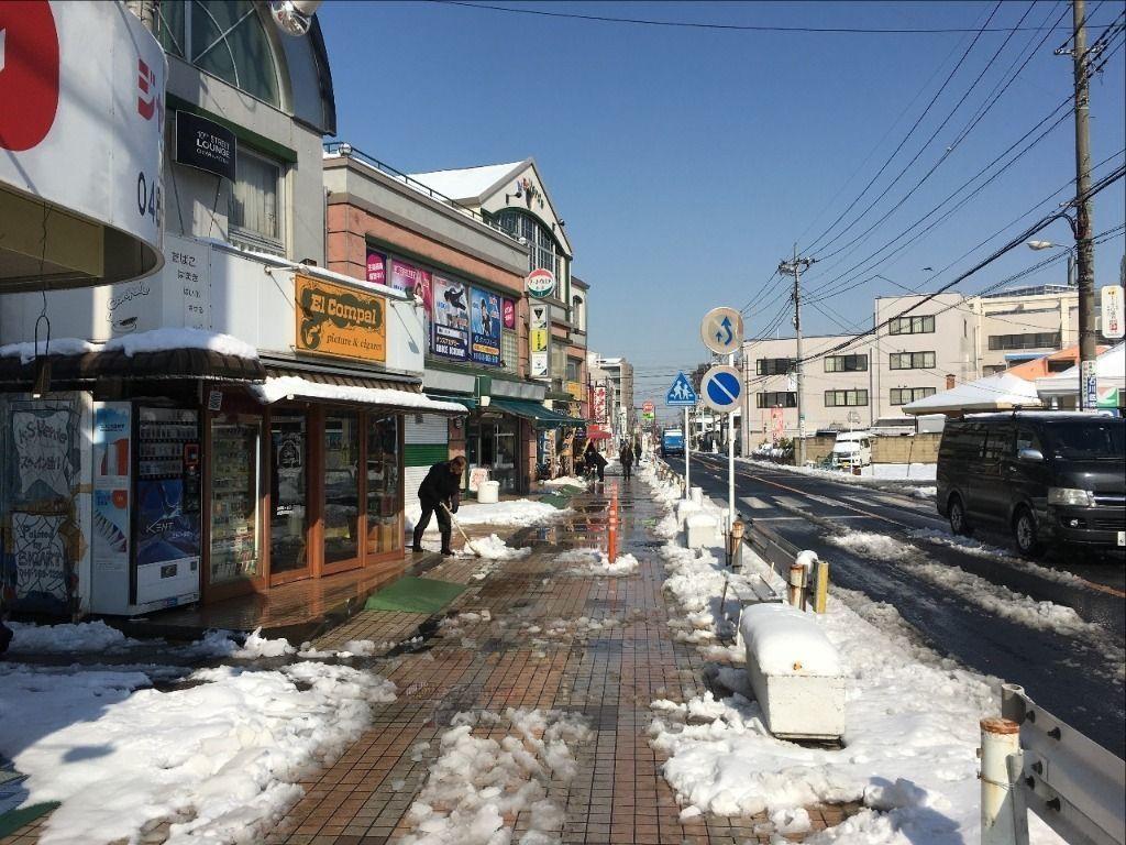 今日はテナントビル「ア・ス・ヴェルデ」の雪かきです!!