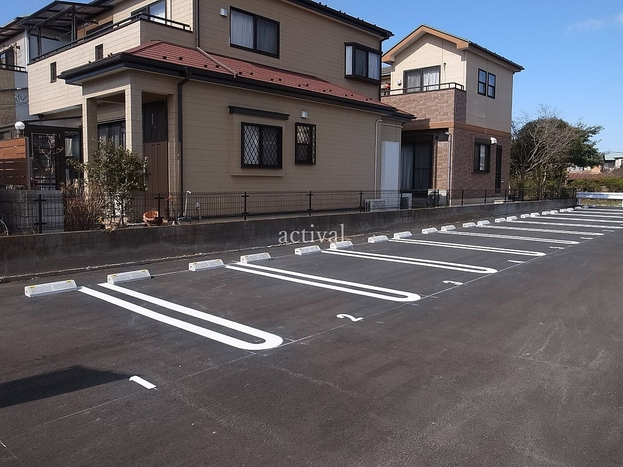 越谷市川柳町にある月極駐車場の川柳町第1駐車場はアスファルト敷きです。