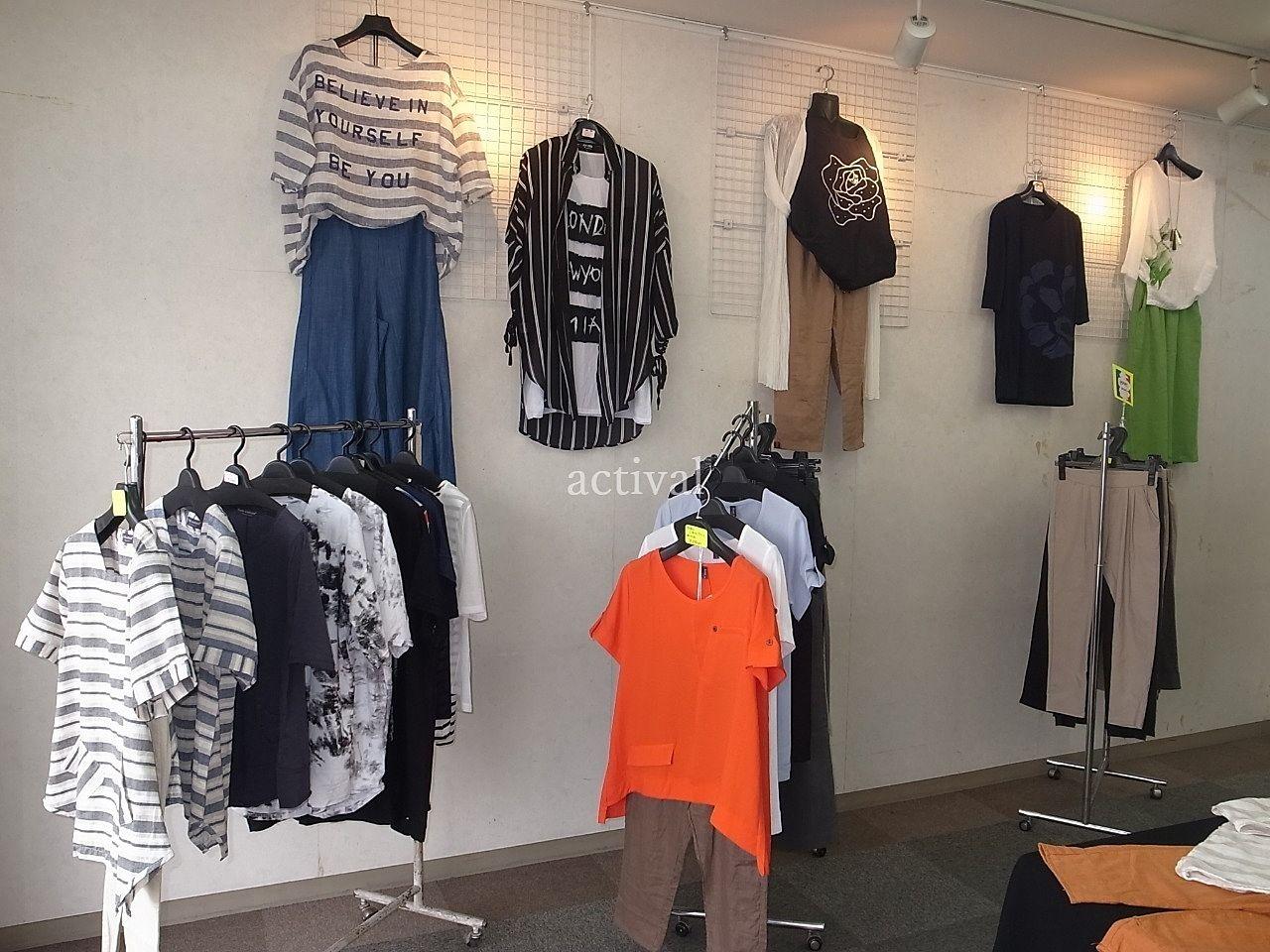 ア・ス・ヴェルデ「週貸店舗」でのインポート婦人服販売です。