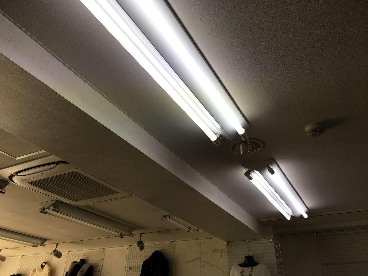 レンタルペース(週貸店舗)の蛍光灯交換です!