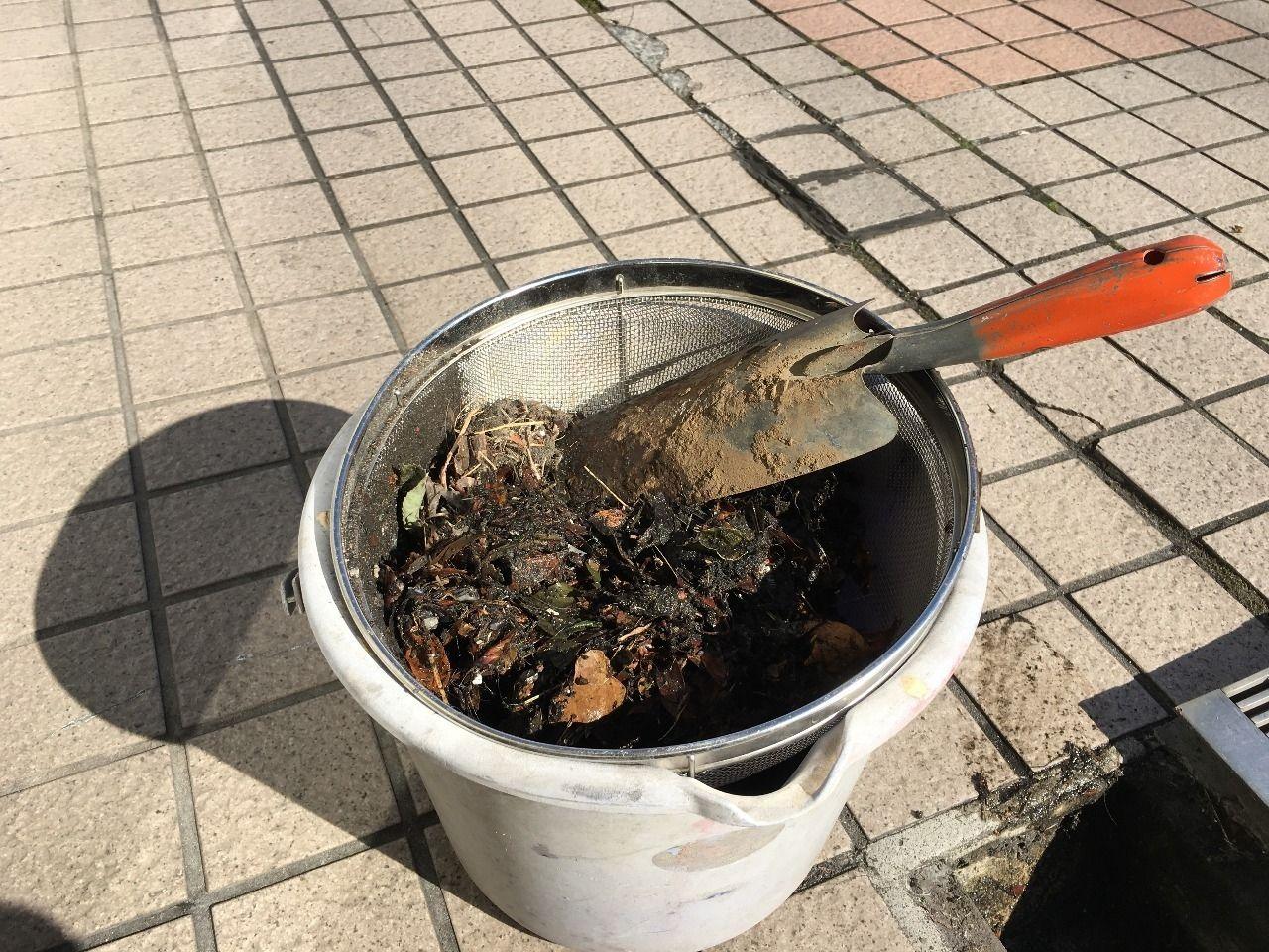 排水溝から取れたゴミです!