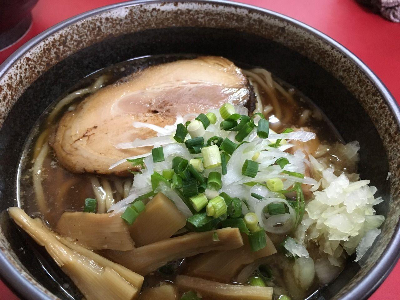 自家製麺 義匠 森田製麺所さんの昆布出汁魚介麺は動物性の脂を使用していないあっさりしたラーメンです!