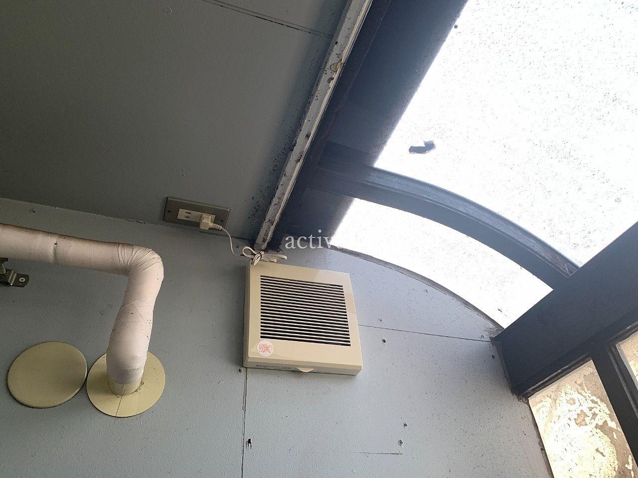 ア・ス・ヴェルデⅢ共用スペースの換気扇を掃除しました。