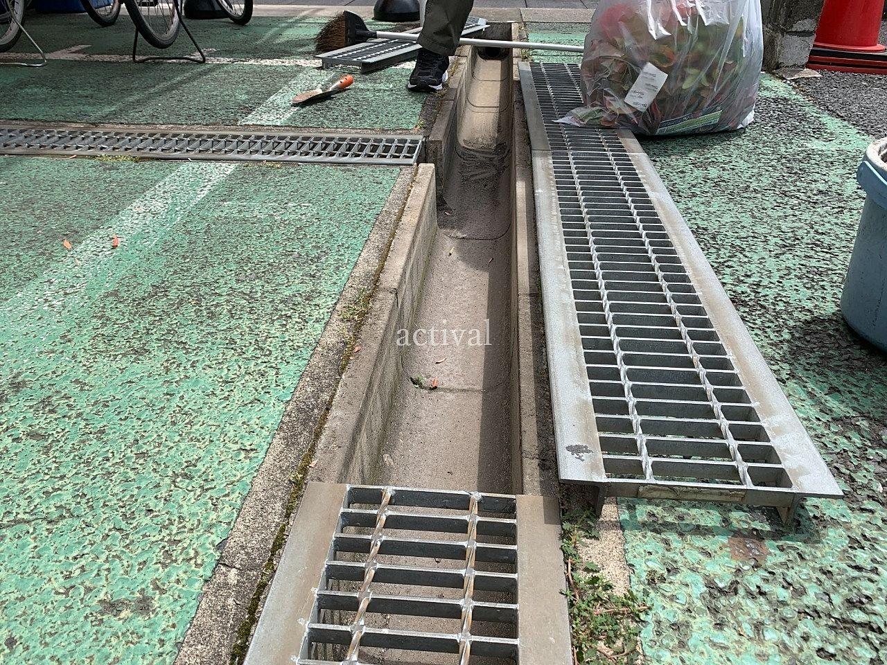 ア・ス・ヴェルデⅡ排水溝の掃除です。