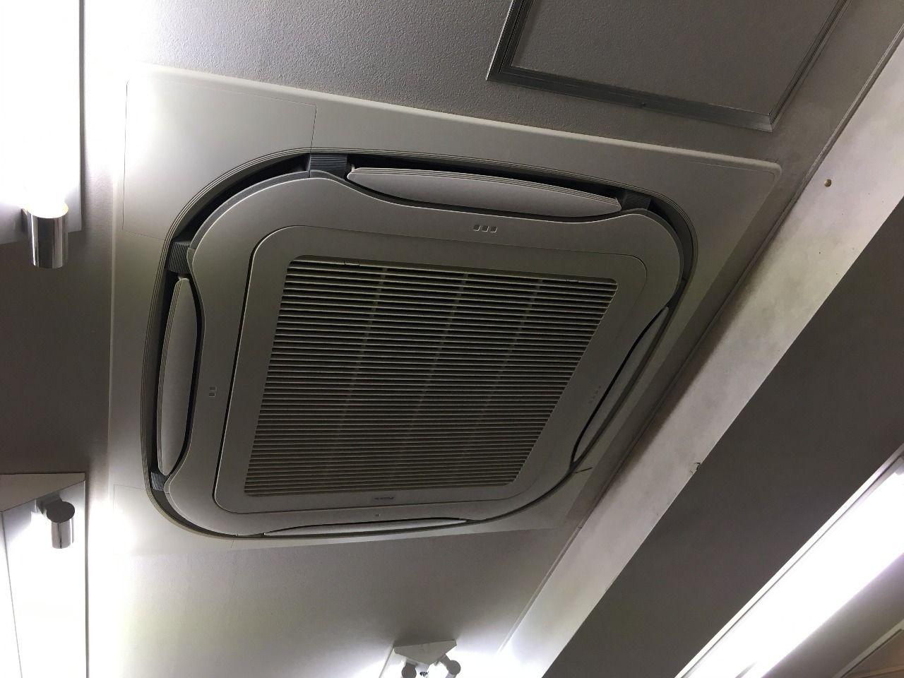 フィルターをエアコンに取り付けて完了です!!