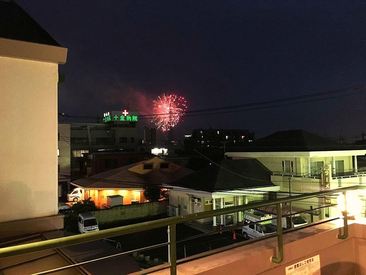 当社テナントビル「ア・ス・ヴェルデ」から見る2017年の越谷花火大会の花火です!!