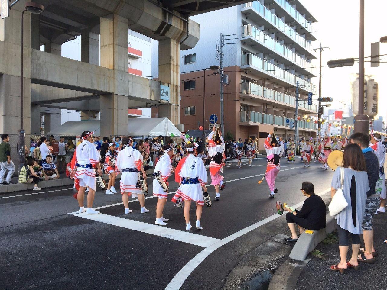 東武スカイツリーラインの線路下でも阿波踊りです!