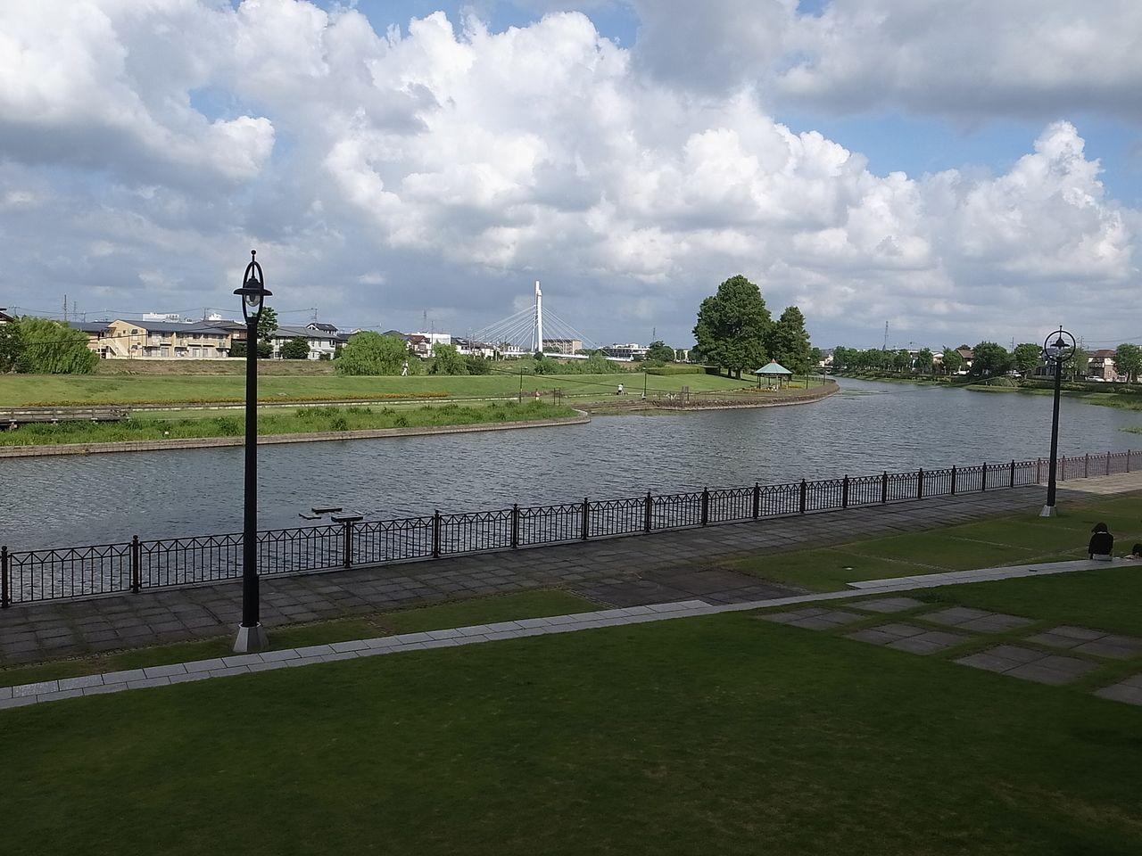 越谷市中央市民会館の近くには元荒川が流れています!!