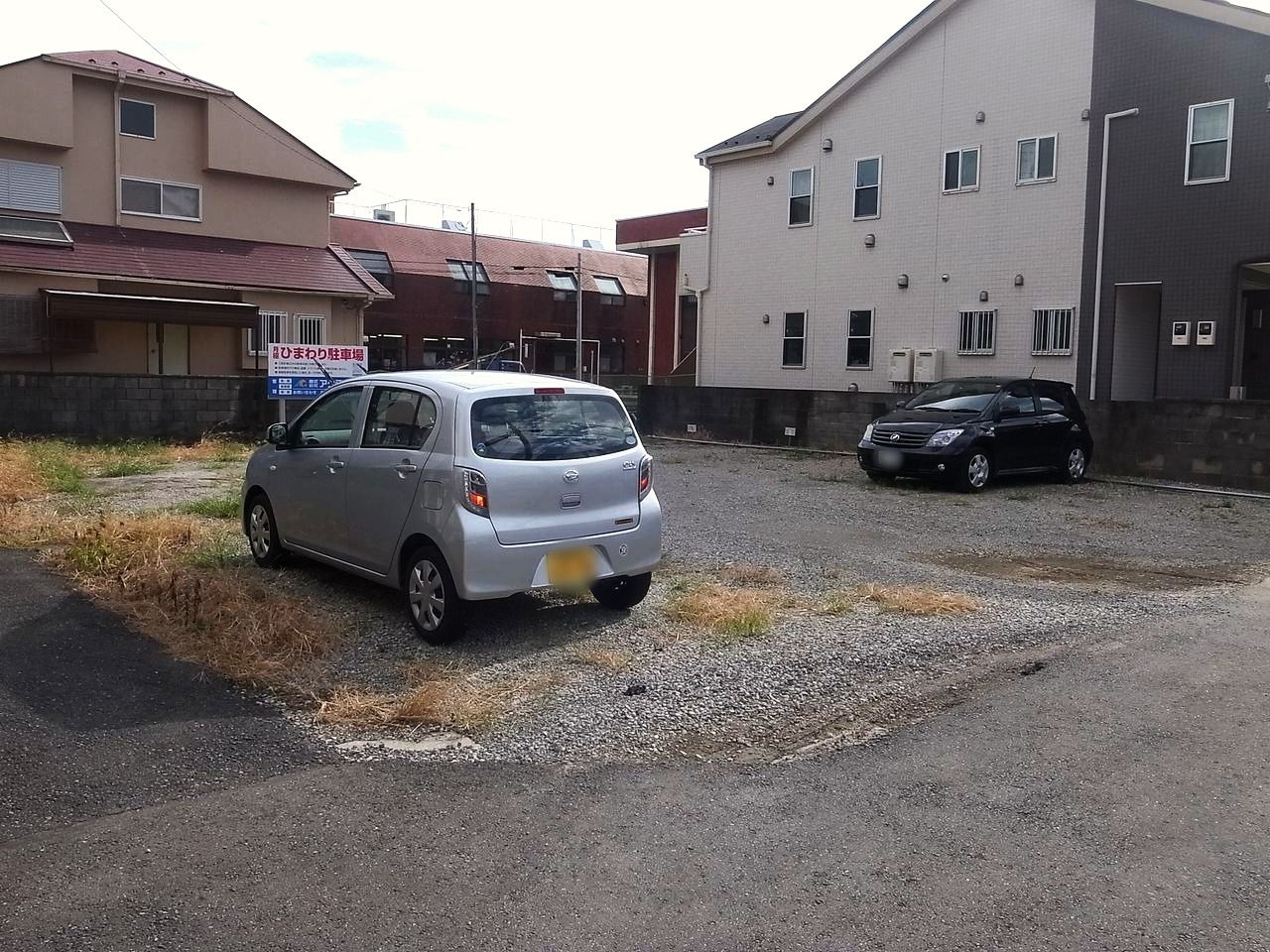吉川市栄町にある月極駐車場のひまわり駐車場の総台数は7台です!!